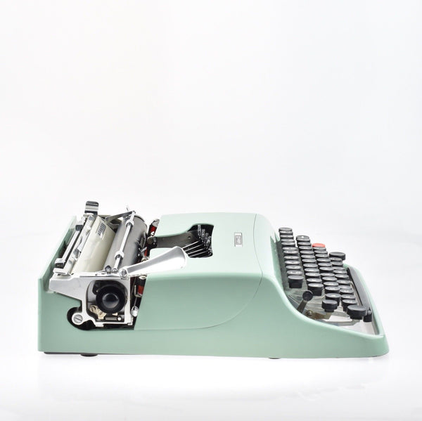 Olivetti Lettera 22 Typewriter in Green with Classic Carrying Case.