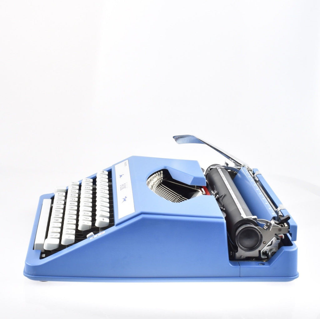 WH SMITH TYPEWRITER