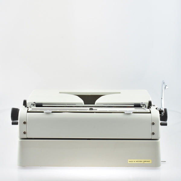 Adler Gabreile 25 Typewriter - Mint Desk Typewriter