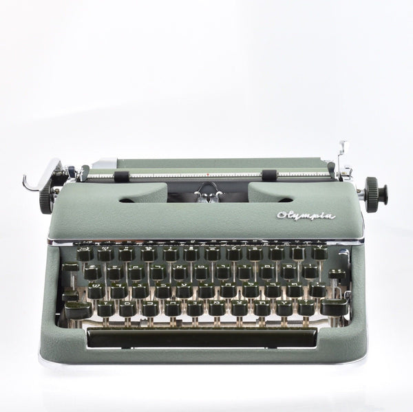 Olympia SM2 Hebrew Typewriter