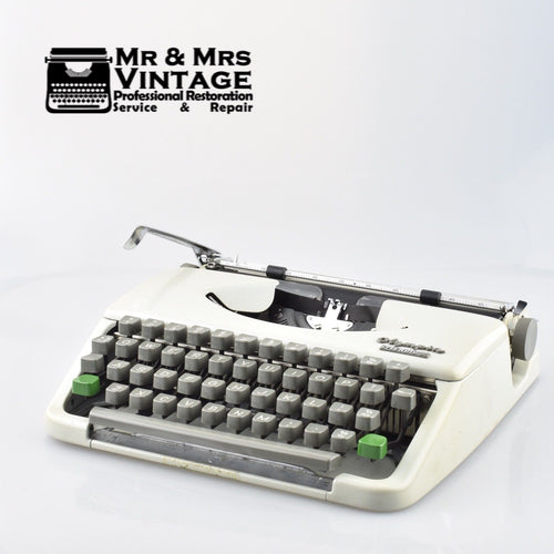 Olympia Splendid 33 Typewriter in Light Grey