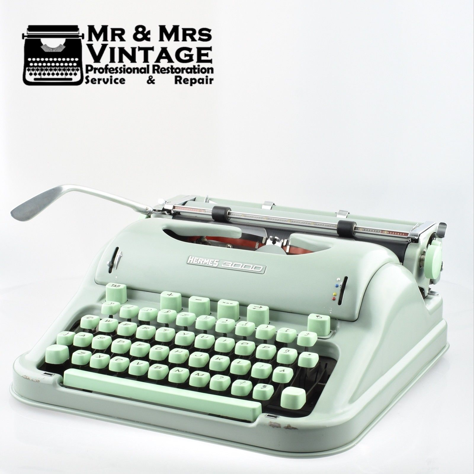 Hermes 3000 Green Typewriter Working & Math Symbols