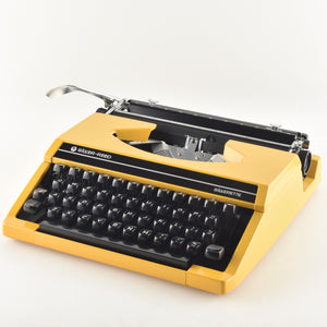 Silverette Typewriter by Silver Reed