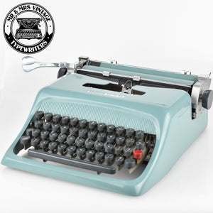 Olivetti Studio 44 Desk Typewriter