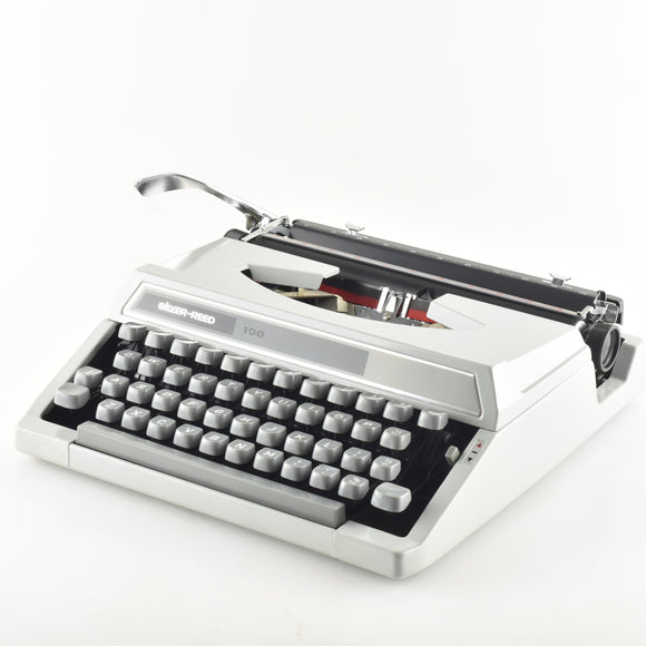 Silver Reed 100 Typewriter