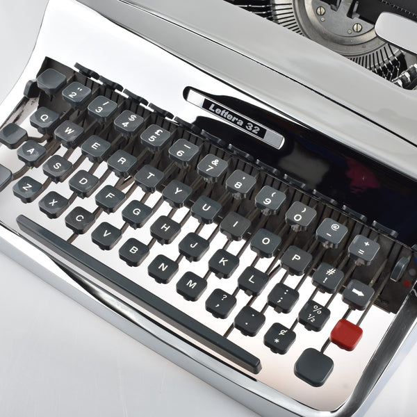 Olivetti Lettera 32 Typewriter Chrome Plated