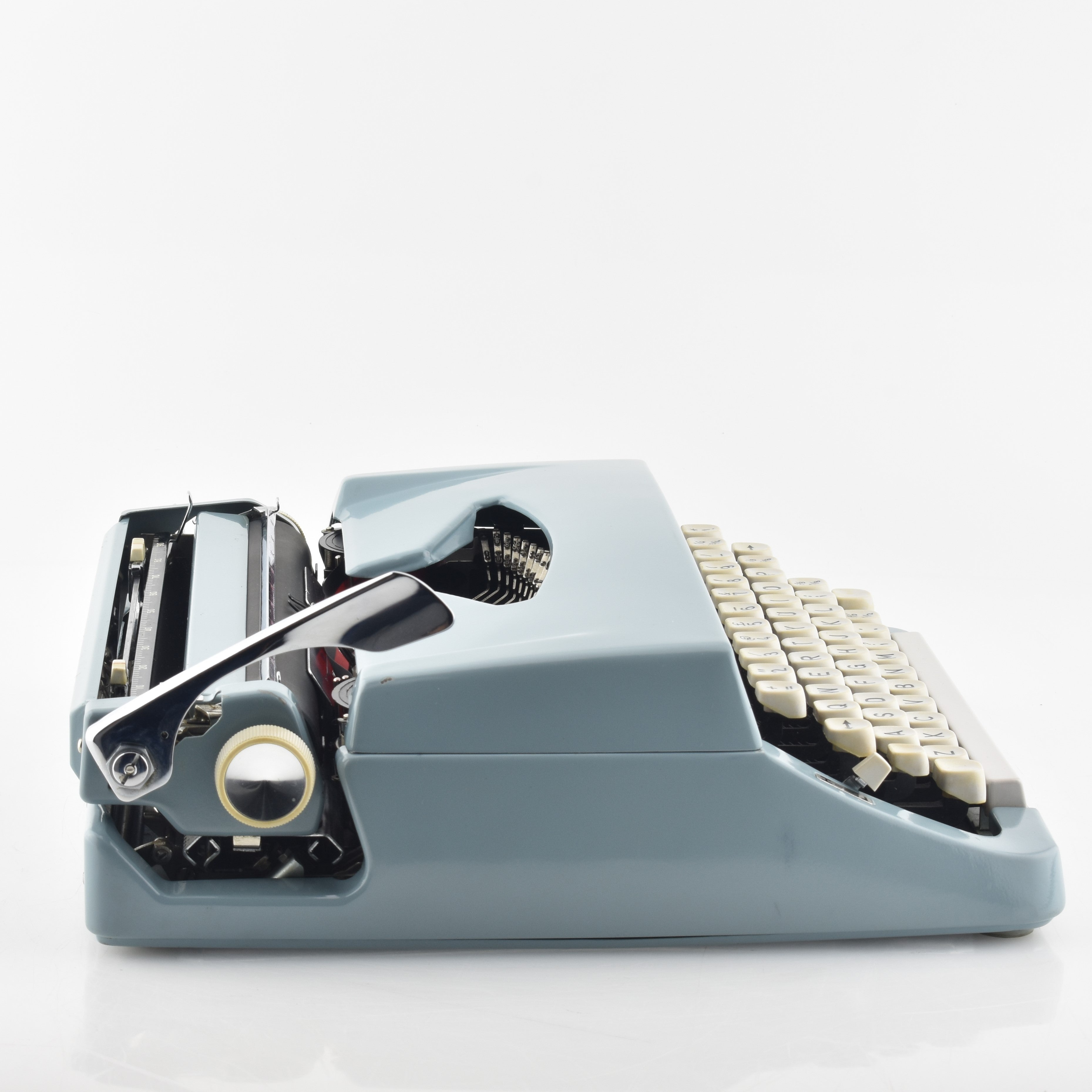 Brother De luxe Typewriter - Dark Blue -UK & WORLDWIDE SHIPPING – Mr & Mrs  Vintage Typewriters