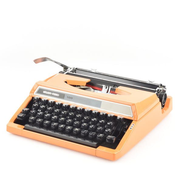Silver Reed 150 Typewriter