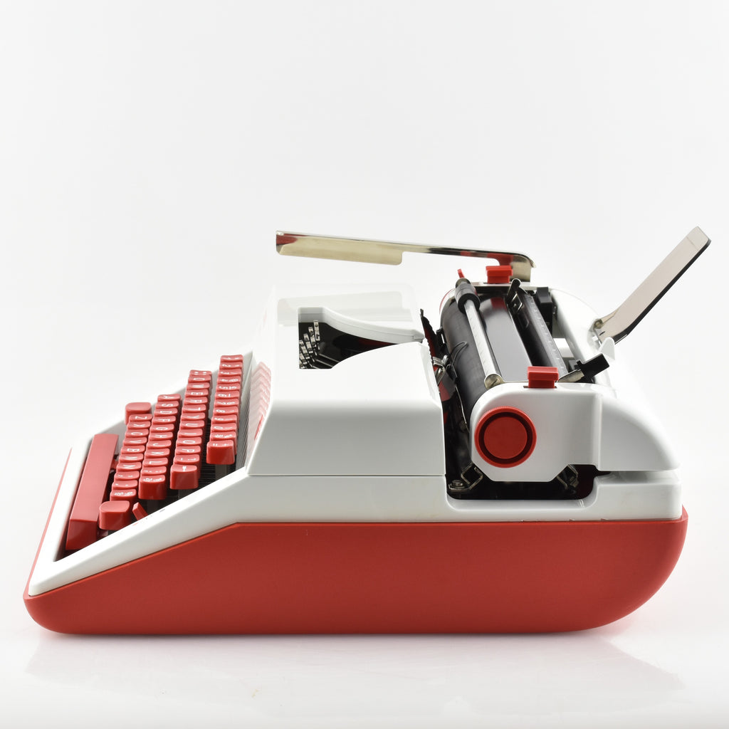 Olympia Monica Typewriter  red