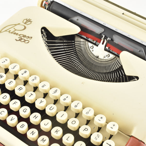Princess 300 Typewriter