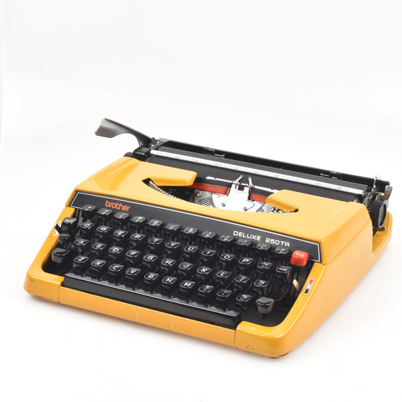 Brother Deluxe 250 TR Typewriter