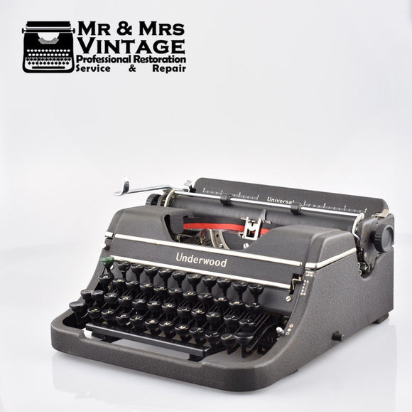 Underwood Universal 4 Bank Portable Typewriter in Matte Grey