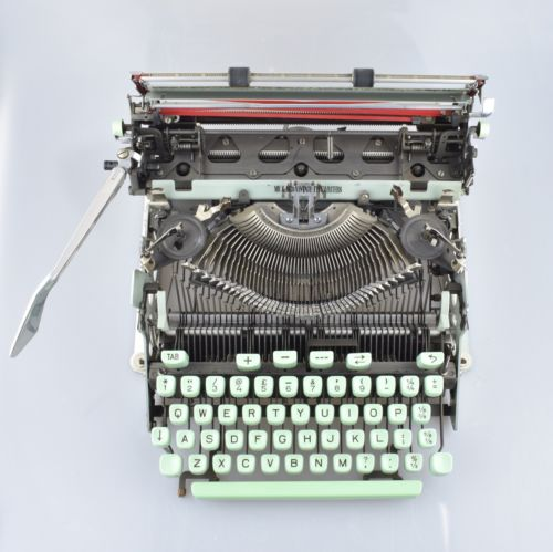 Hermes Media 3 Typewriter German QWERTZ  Green Keys & Rare CUBIC Typeface
