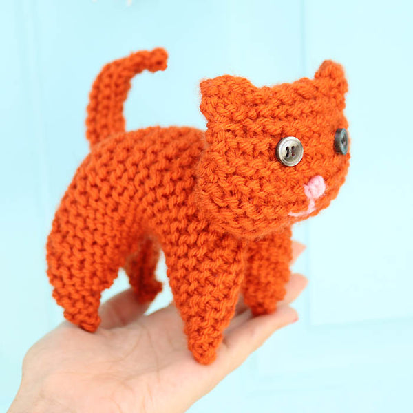 Flat Knit Cat Knitting Pattern