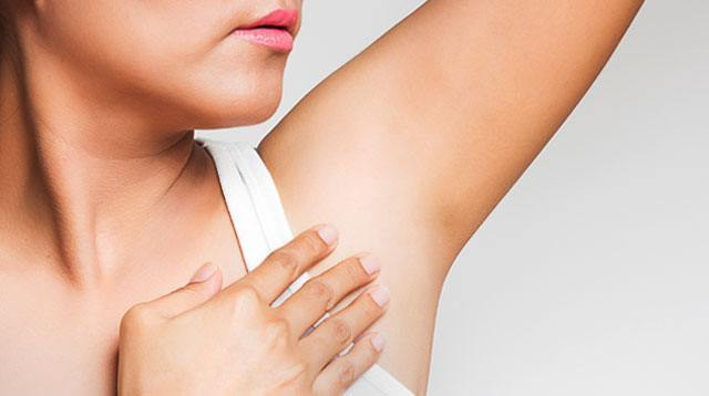 Instantly Lighten + Detox your Underarms with this Simple Mask.