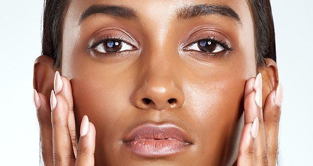 How help control oily skin, Nicci recommends the following tips:
