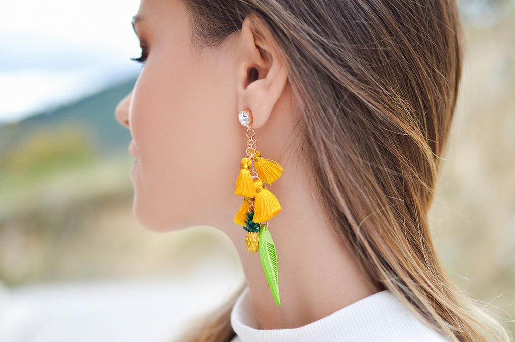 Add colour to your ensemble through accessories