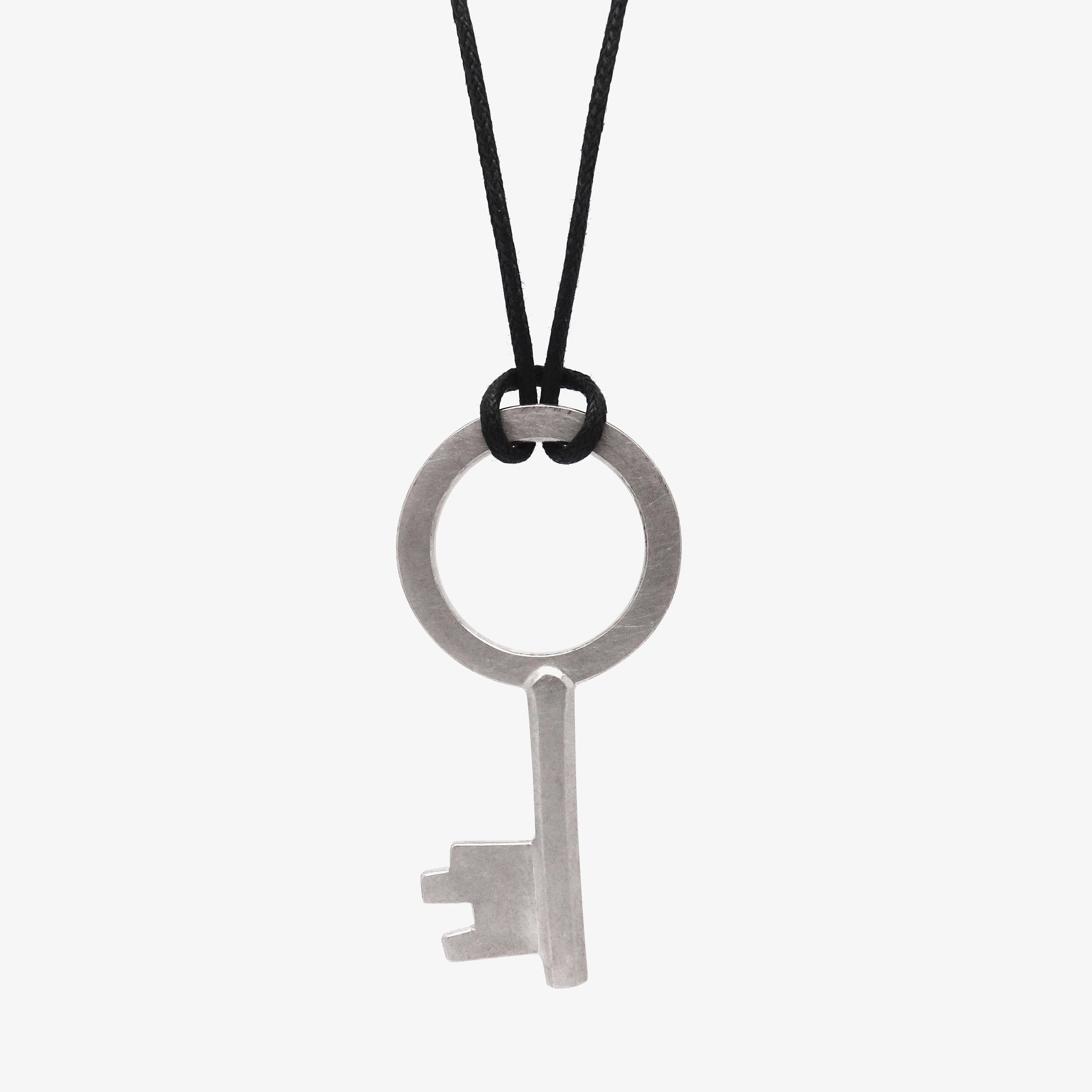MEDIUM SILVER KEY PENDANT