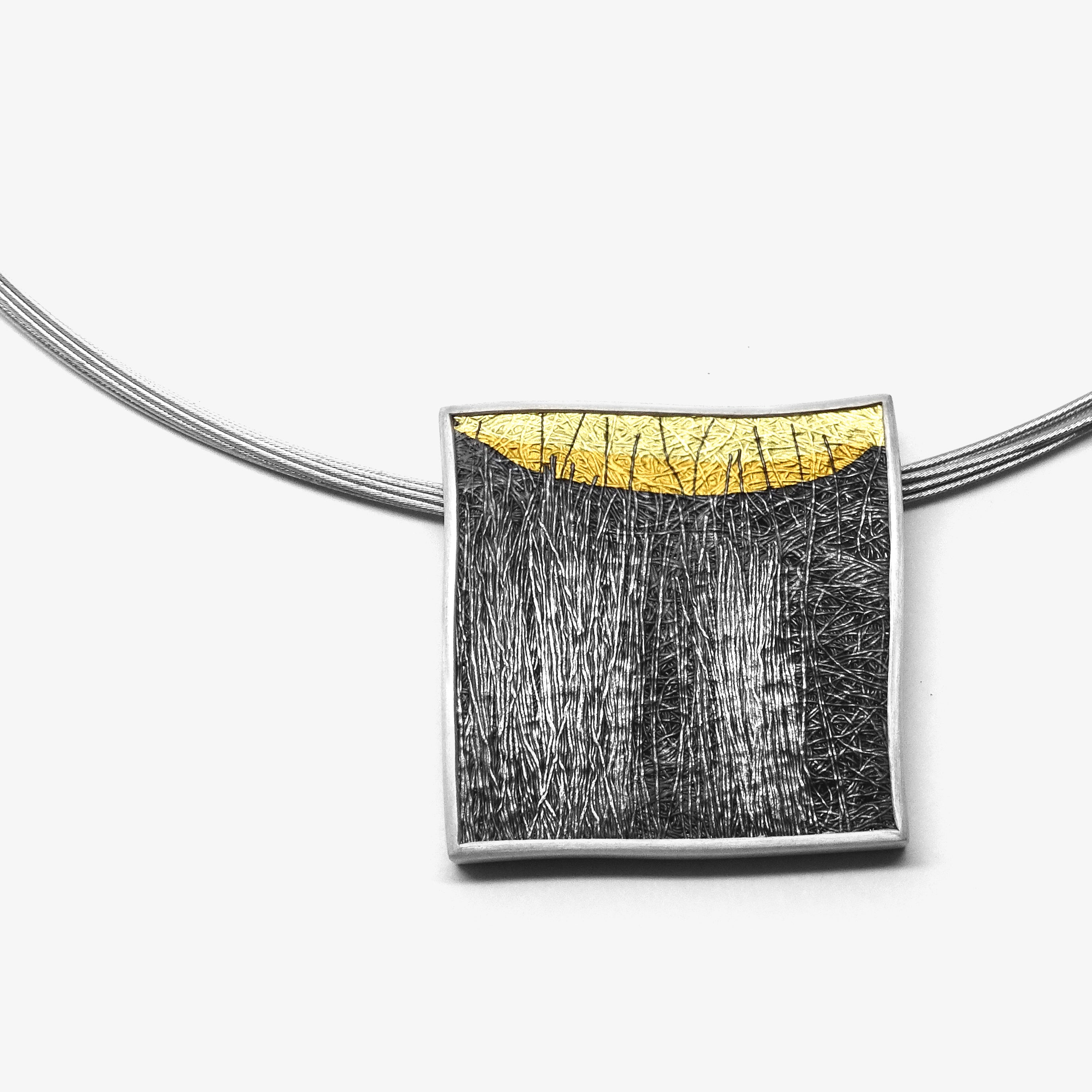 LARGE SQUARE PENDANT - GOLD HORIZON