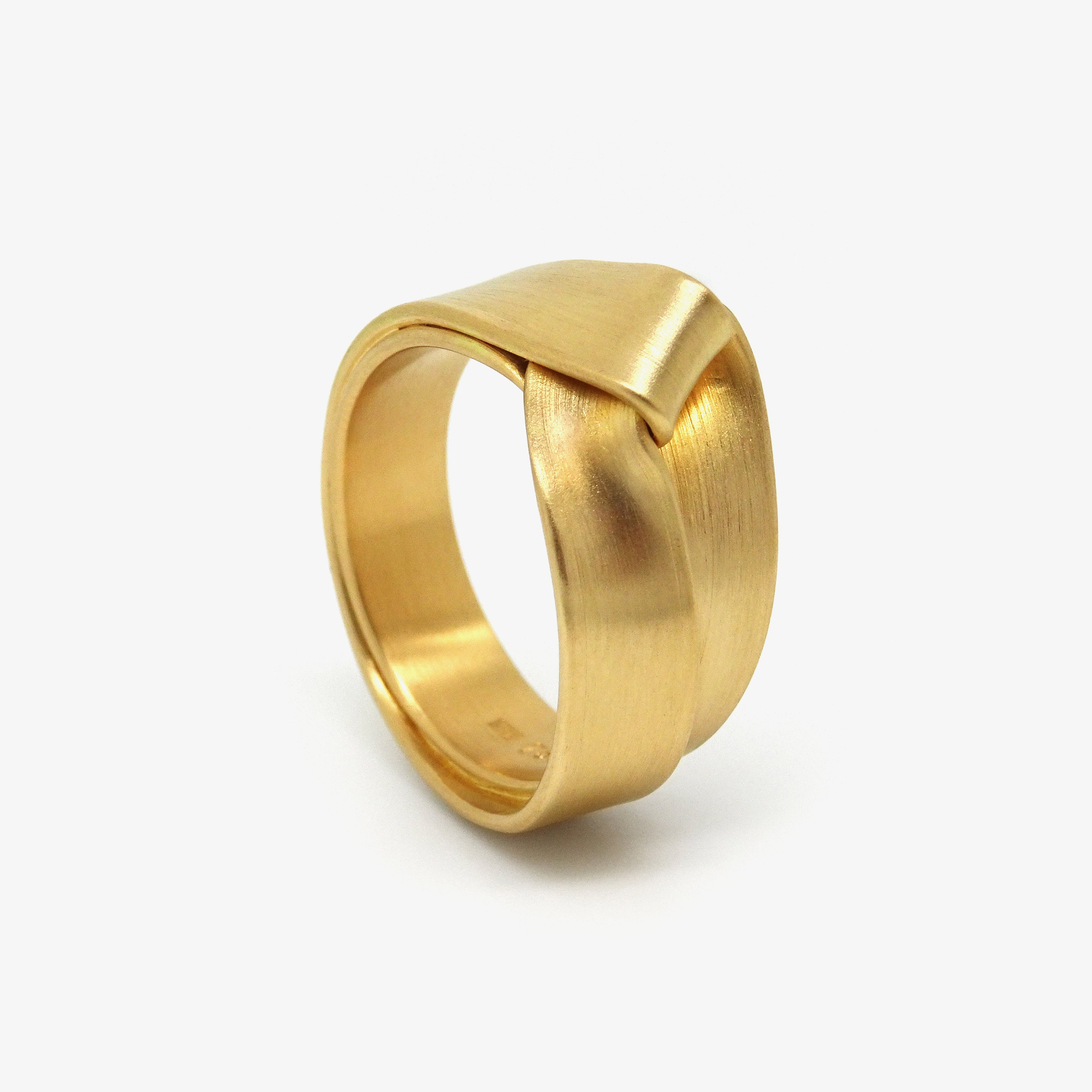 GOLD FOLD RING
