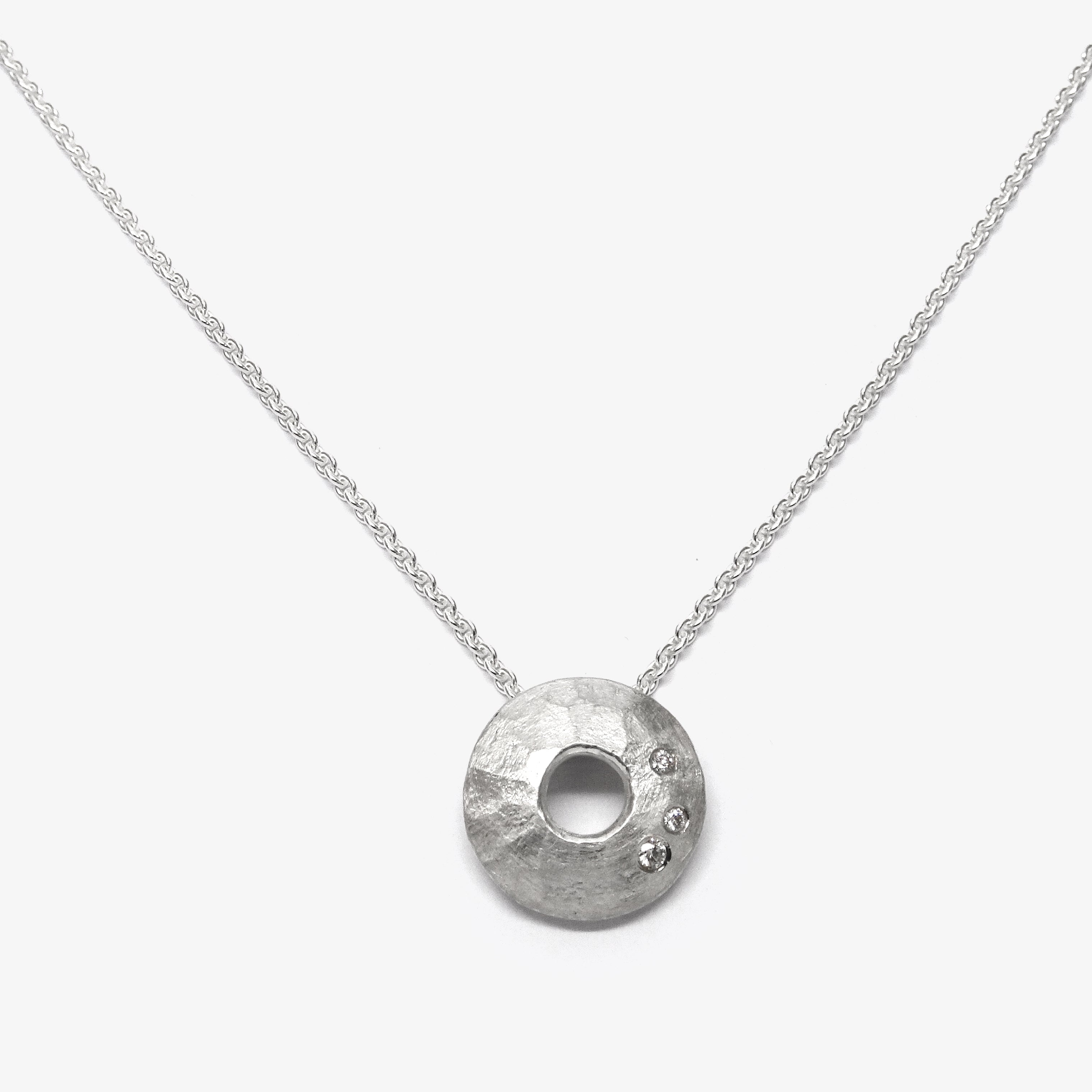 MILKYWAY PENDANT + 3 DIAMONDS