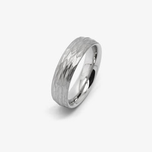HAMMERBLOW WEDDING RING - PLATINUM