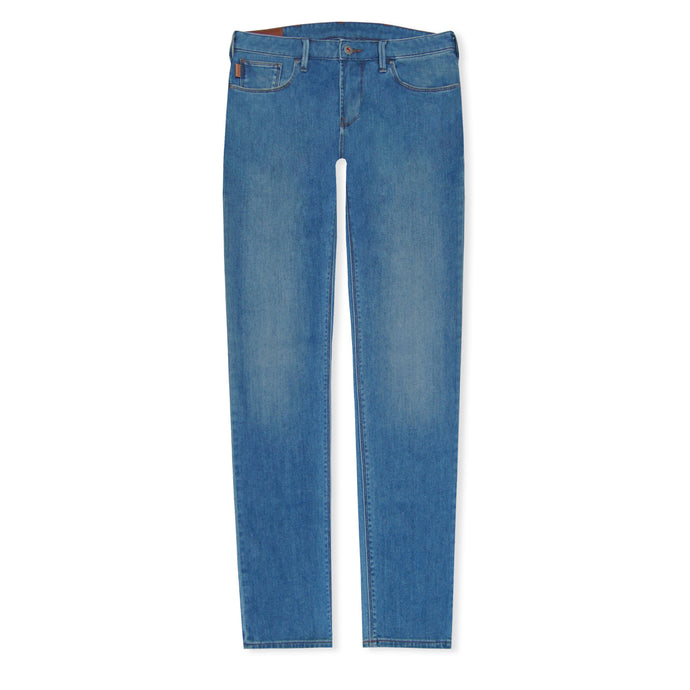 Light Wash J06 Slim Jeans