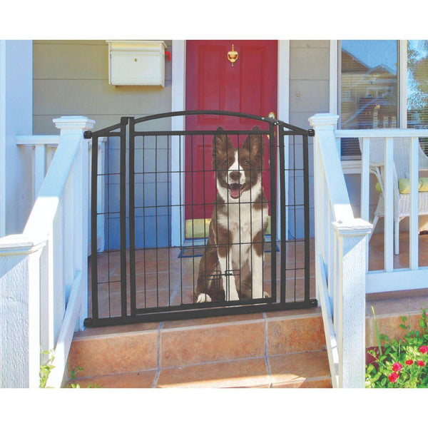Outdoor Walk-thru Gate With Small Pet Door 33.25x29-43 In Black