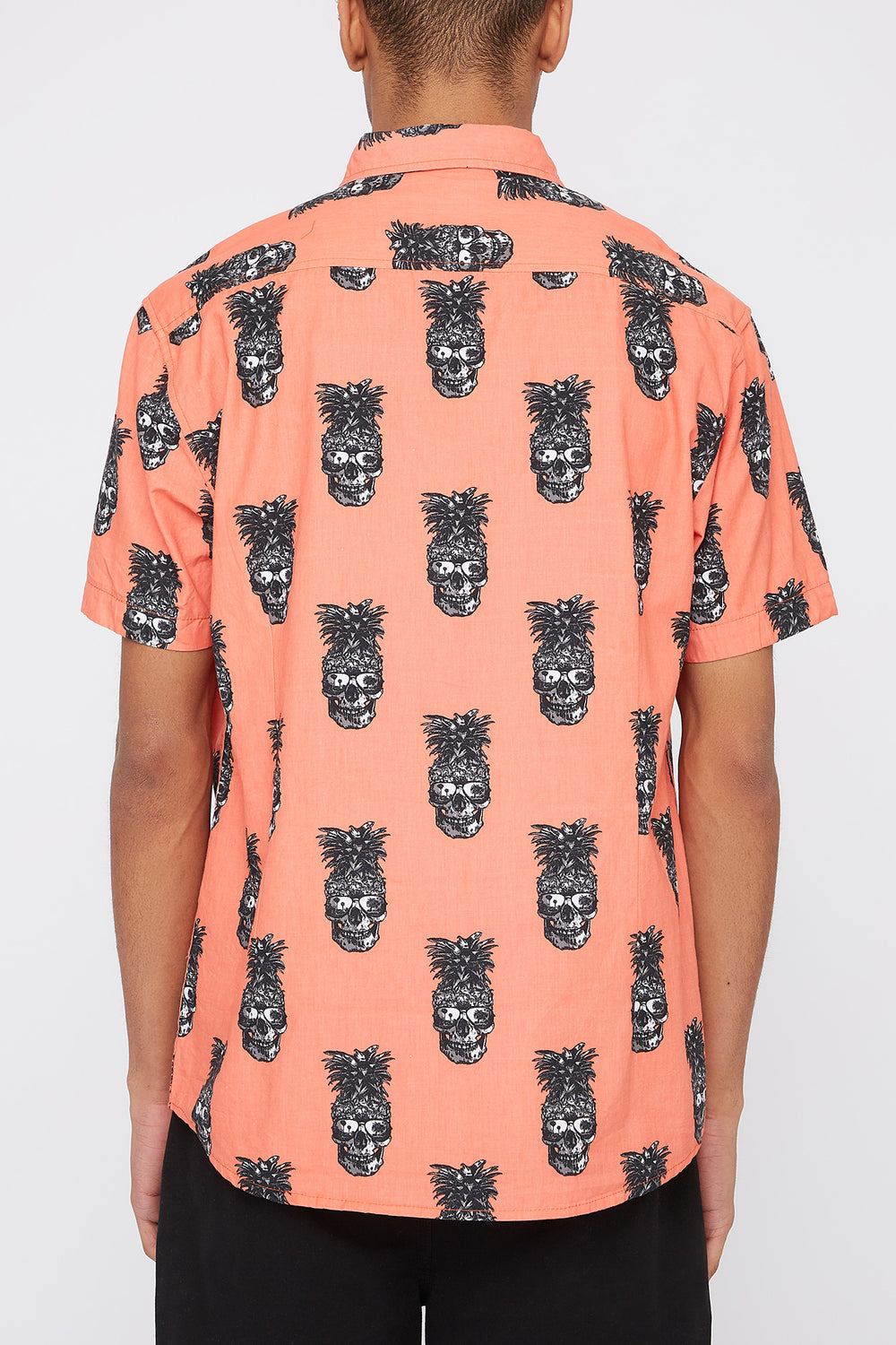 Artistry In Motion Mens Pineapple Skull Button-Up Shirt Coral