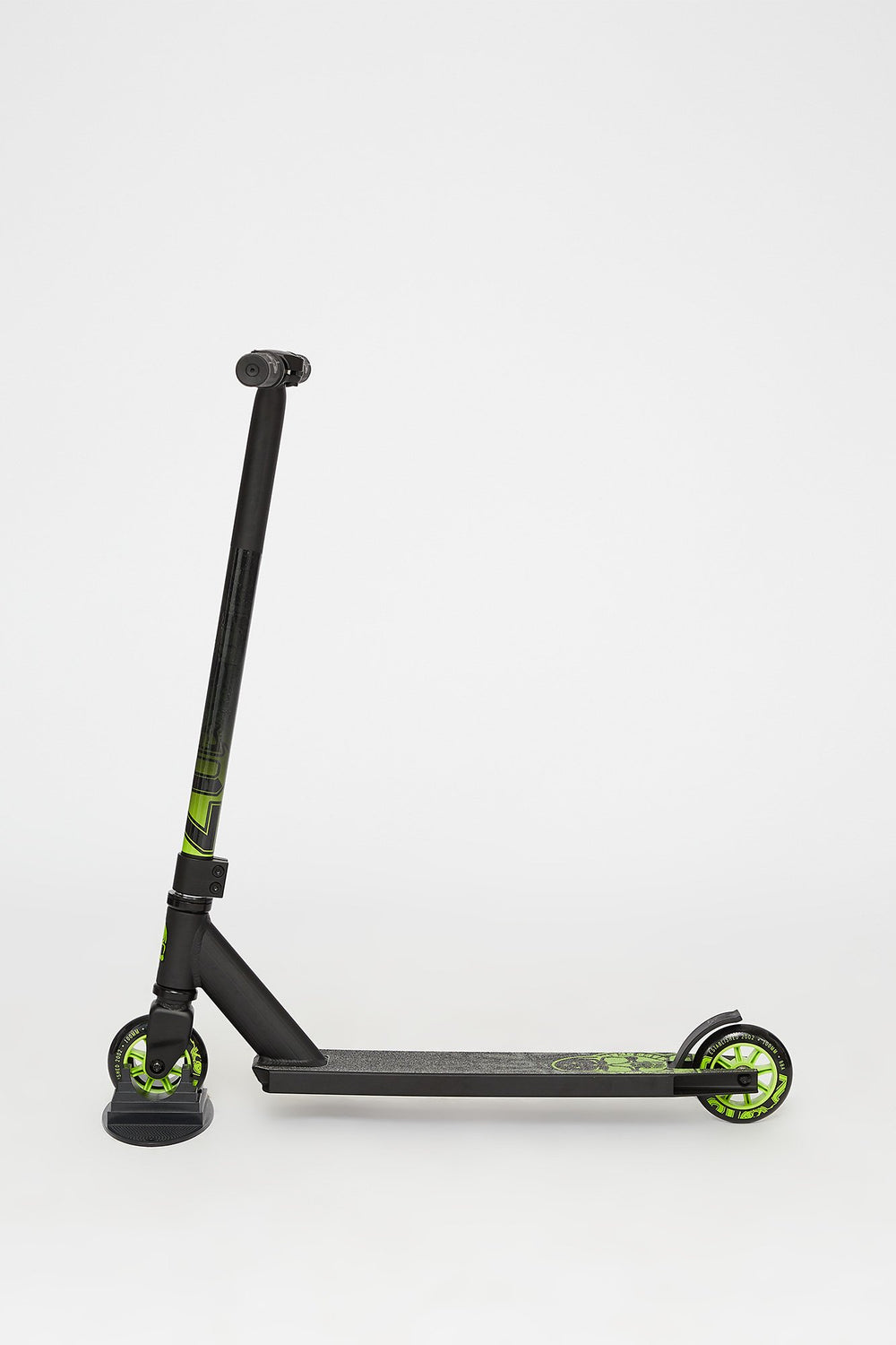 Madd Gear Carve Pro Scooter Black