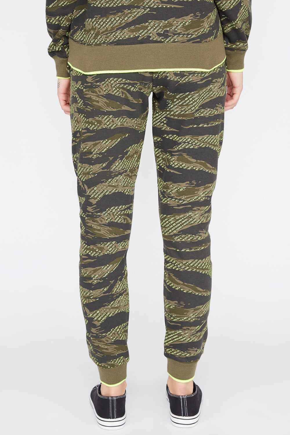 Jogger Imprimé Camouflage Young & Reckless Femme Camoufle