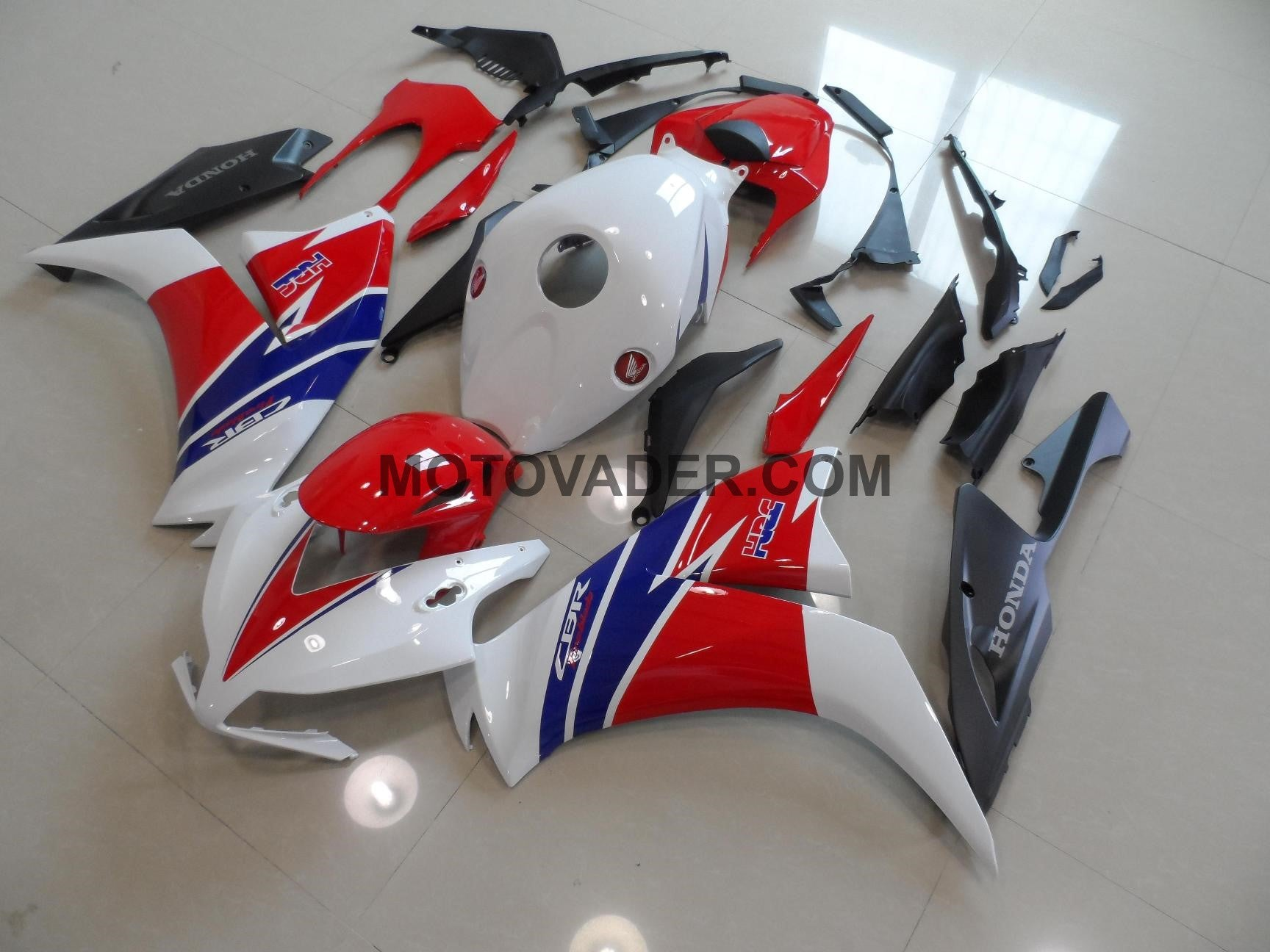 Honda CBR 1000RR 2012-2013 White & Red & Matt Black TT Legend Fairing