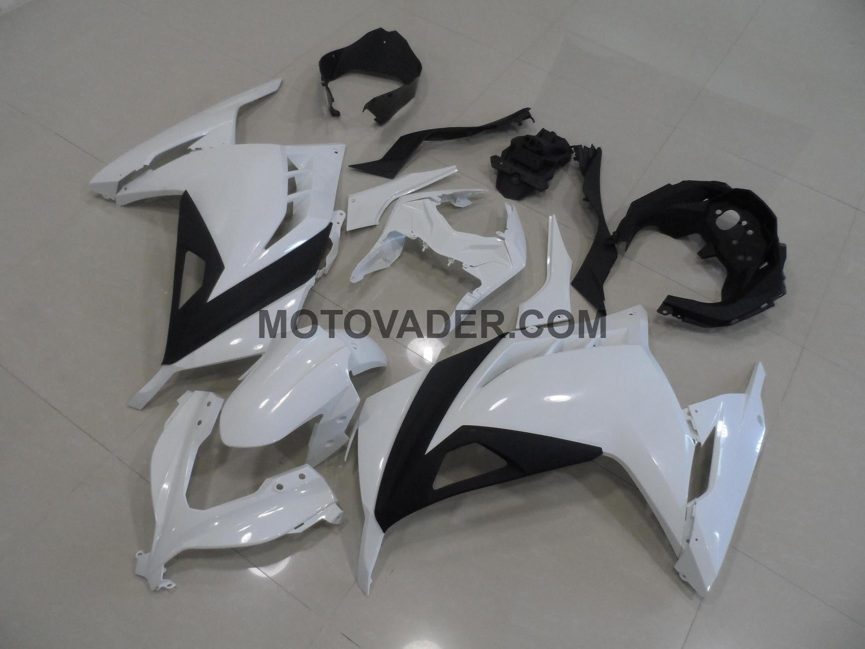 Kawasaki Ninja300 2013 Black & White Fairing