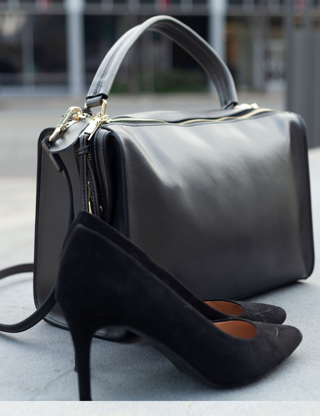 The Weekender Landon Carryall Leather Bag