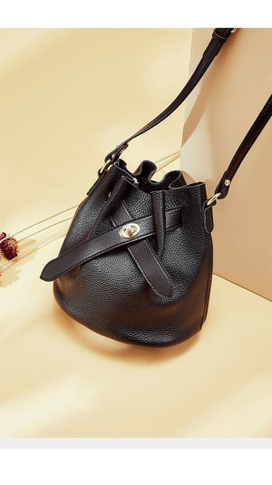 Daino Pebbled Leather Bucket Bag