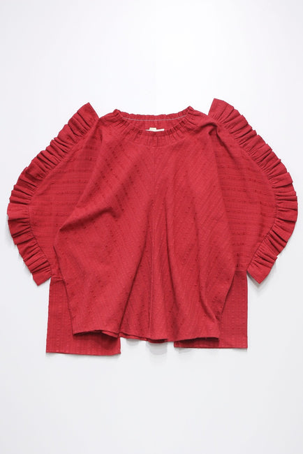 Windy tops -red-