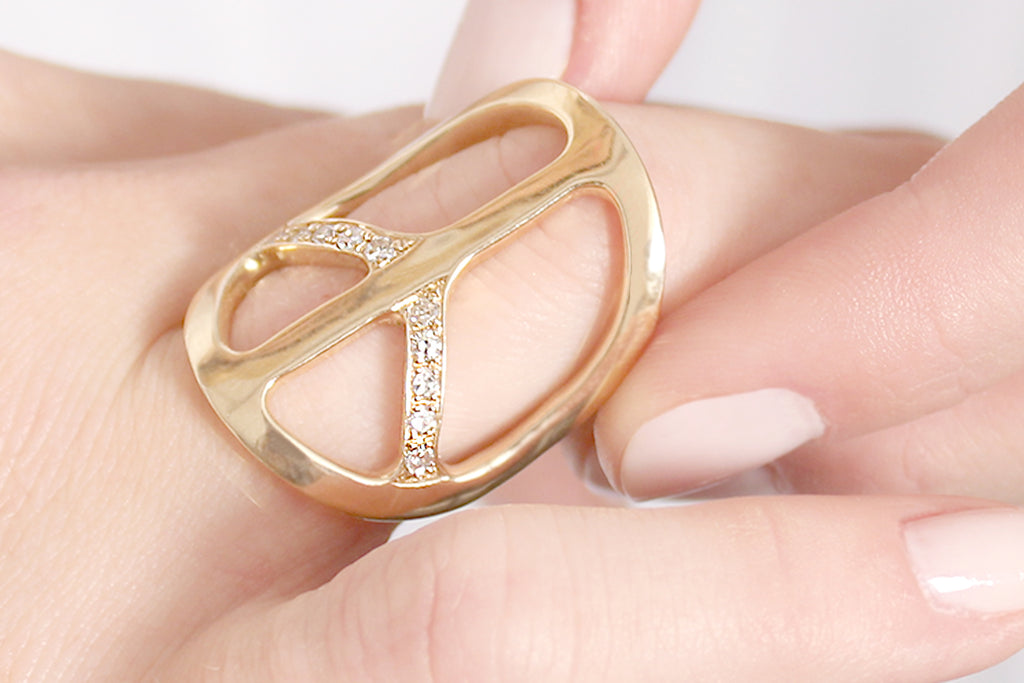 14k Gold Peace Ring
