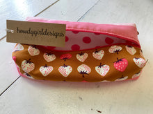 Multi-Fabric Boxed Zipper Pouches by HowdyGirlDesigns