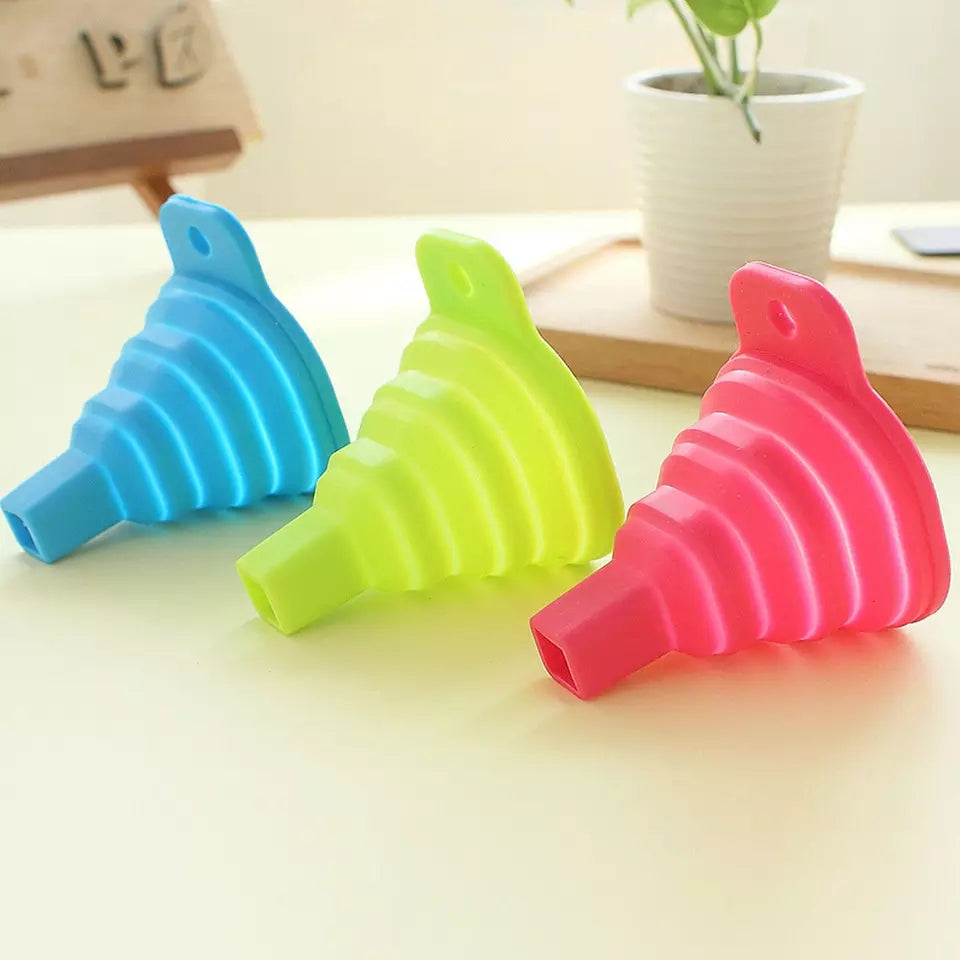 2 pcs New Silicone Gel Foldable Collapsible Style Funnel Hopper