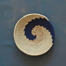 Load image into Gallery viewer, Nila Abstract Sabai Seagrass Handwoven Grass Basket