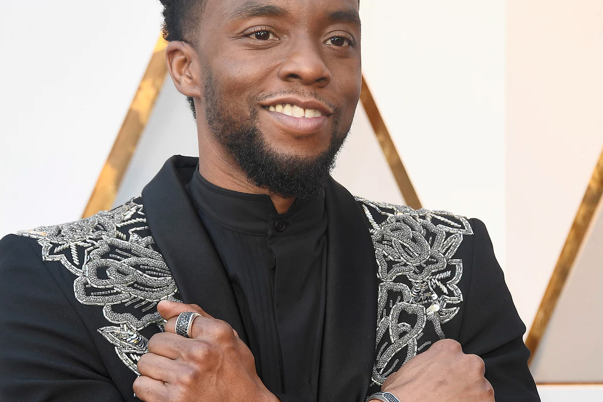 Chadwick Boseman's 2018 Oscars Look Has Twitter Bowing Down