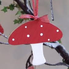 Spotty Wooden Toadstool Decoration