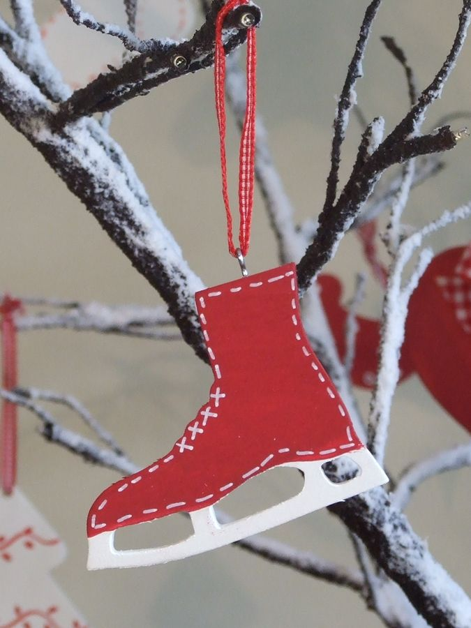 Red Wooden Skate Decoration