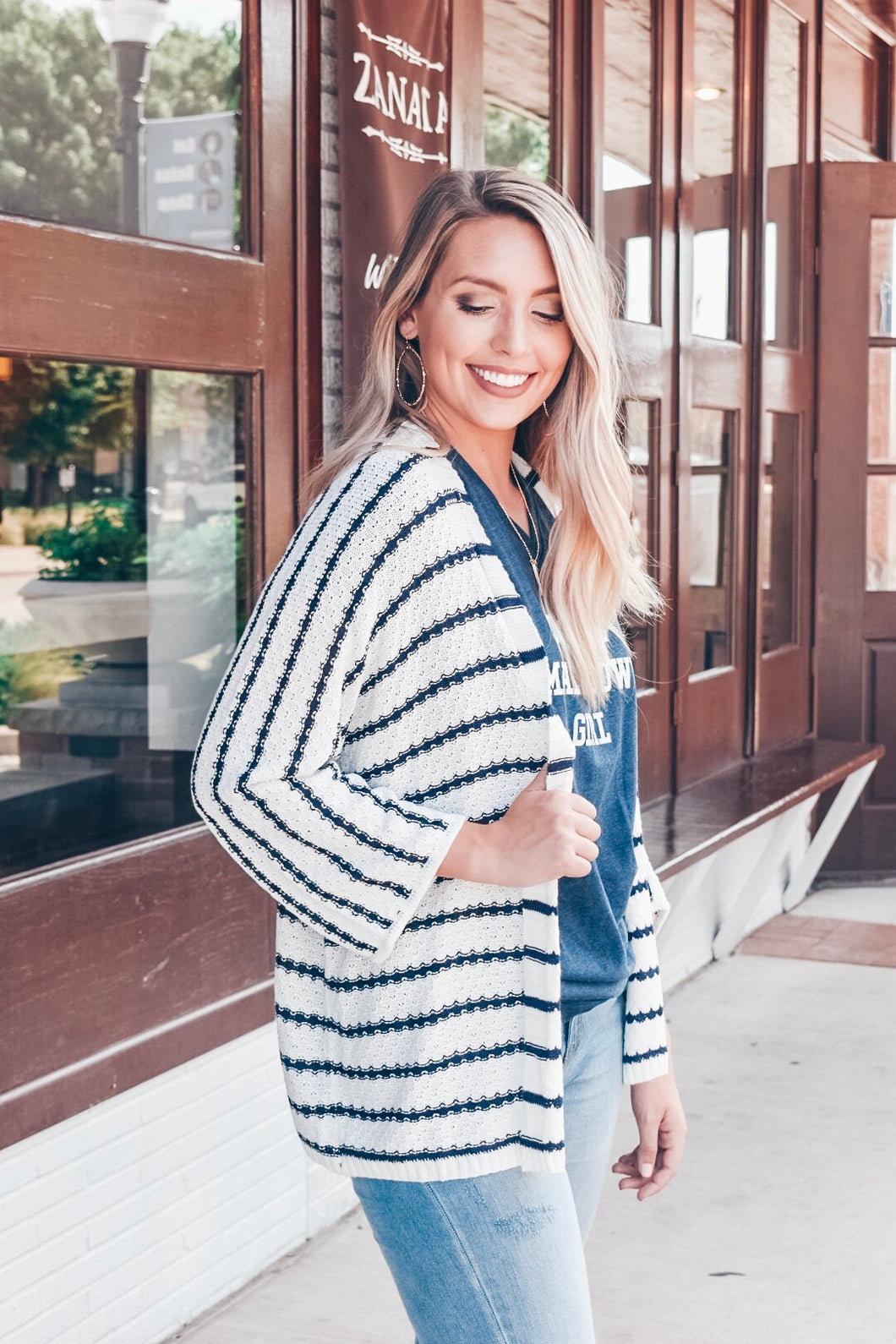 The Perfect Feeling Cardigan - Cream/Navy