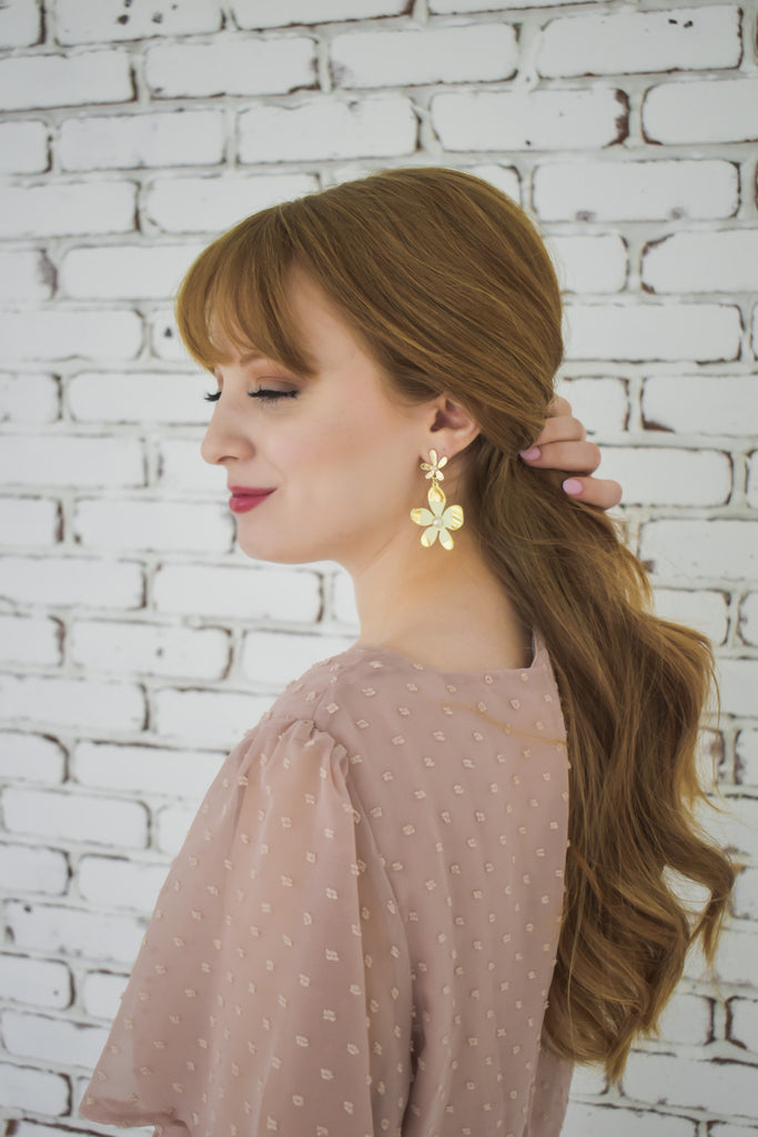Driving Miss Daisy Earrings- Cream