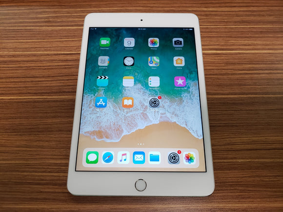 Apple iPad Mini 4th Gen 128GB, Wi-Fi Only, Silver - Very Good Condition