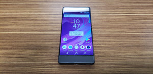 Sony Xperia XA F3113 - Black- (Bell Mobility) Good Condition