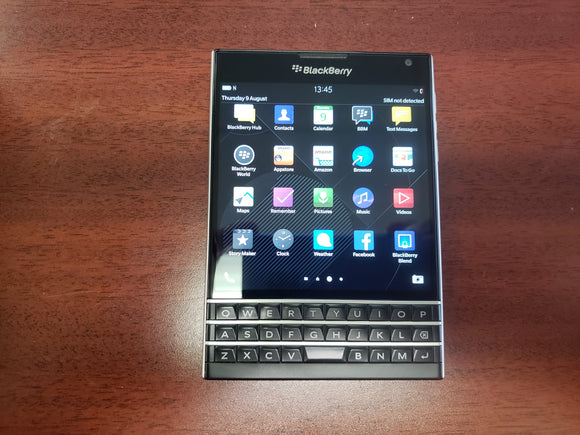 BlackBerry Passport 32GB SQW100-1- Black (Unlocked) Very Good Condition