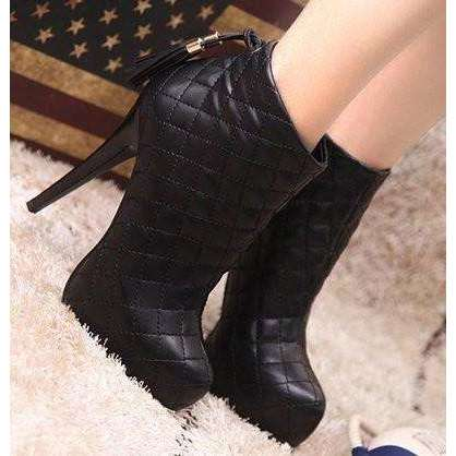 Women's Diamond Stitch Ankle Boots