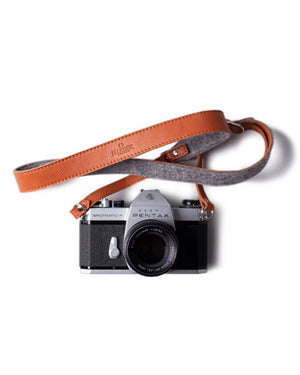 HARBER LONDON · ADJUSTABLE LEATHER & FELT CAMERA STRAP · TAN